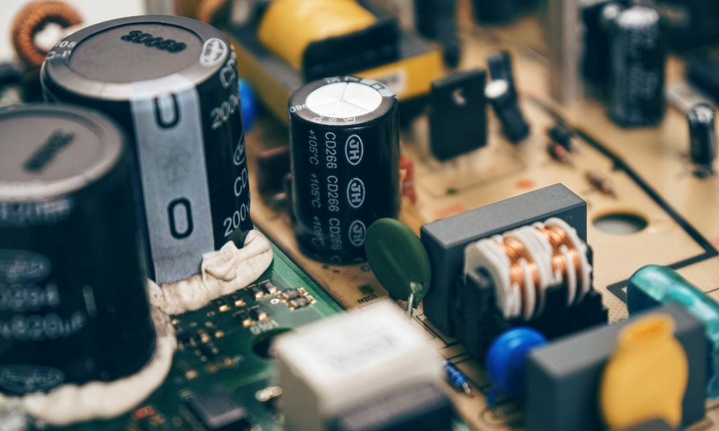 כיצד לשמור על מכשירים אלקטרונים